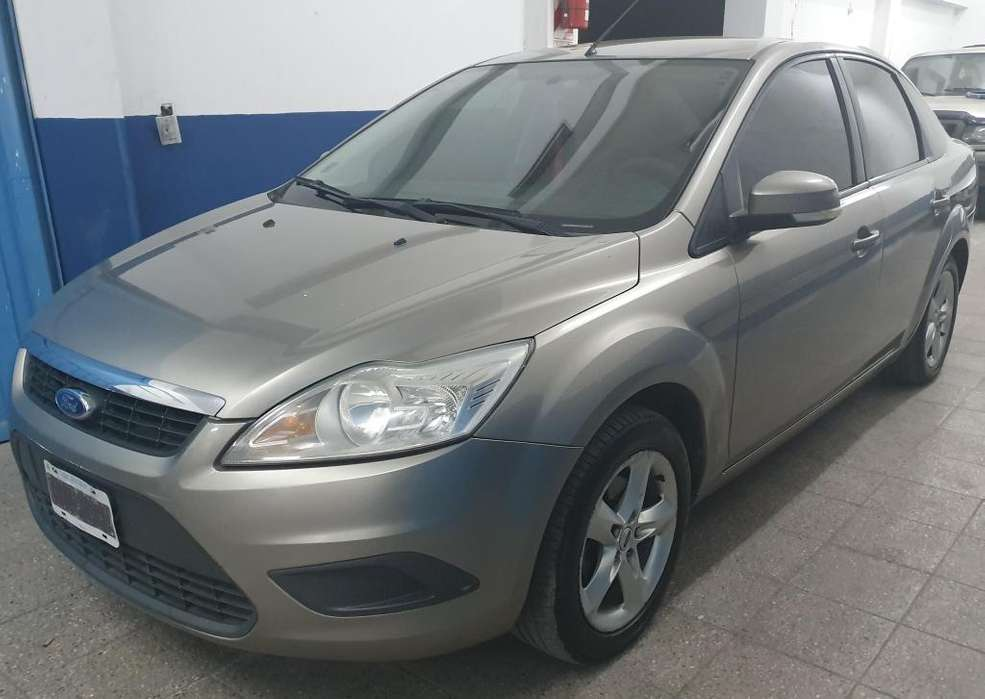<strong>ford</strong> Focus Sedán 2009 - 180000 km