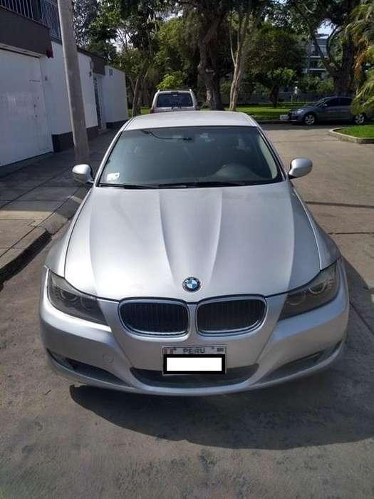BMW 320i 2010 - 99900 km
