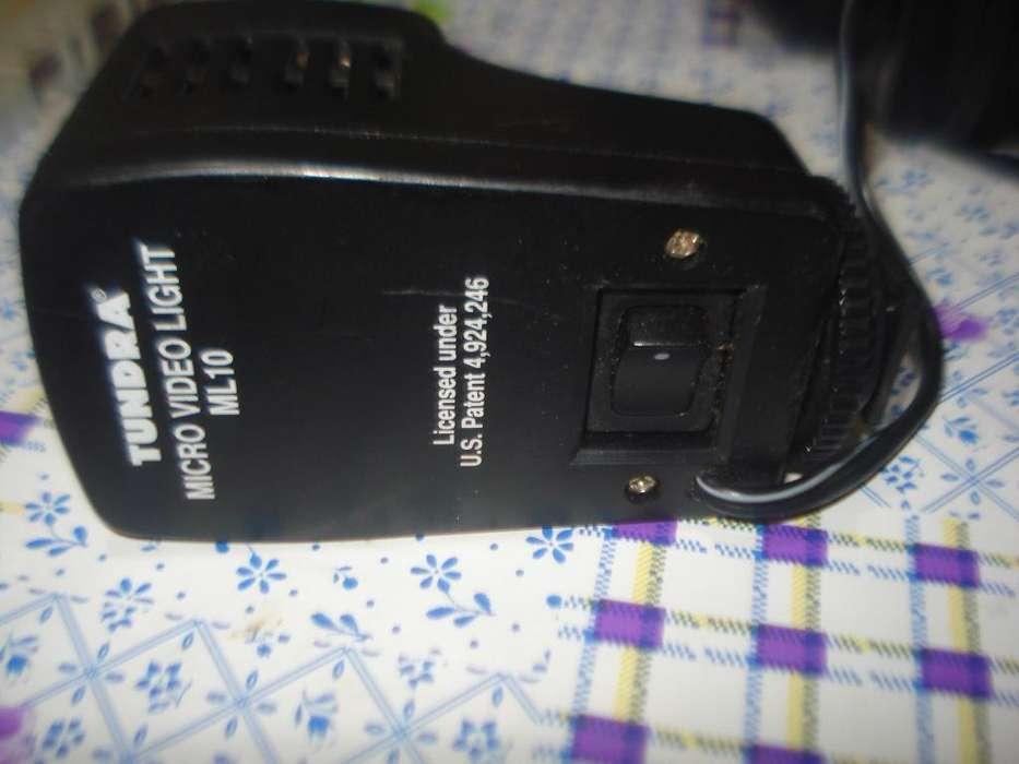 Flash E Iluminador Tundra Ml10 Para <strong>filmadoras</strong> O Camaras