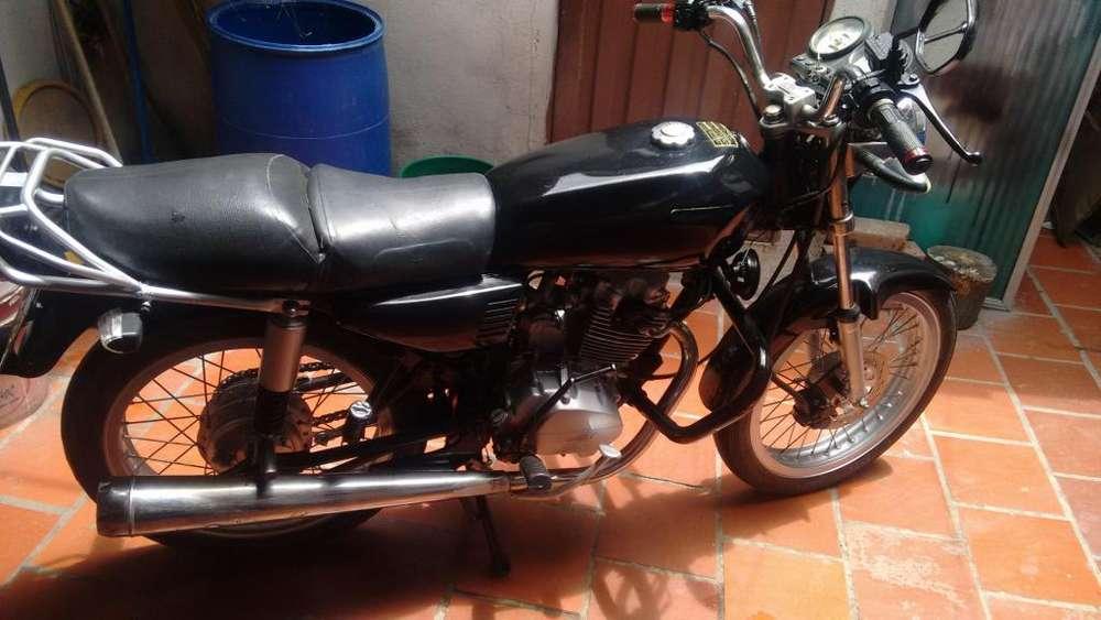 Moto AKT 125 Año 2009