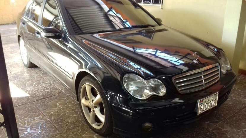 Mercedes-Benz 220 2004 - 225000 km