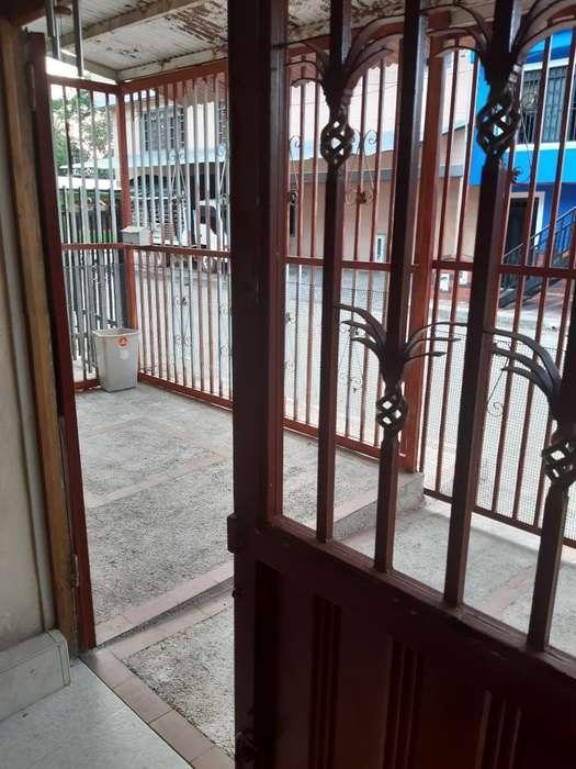 Se Vende Casa Amplia Camilo Torres