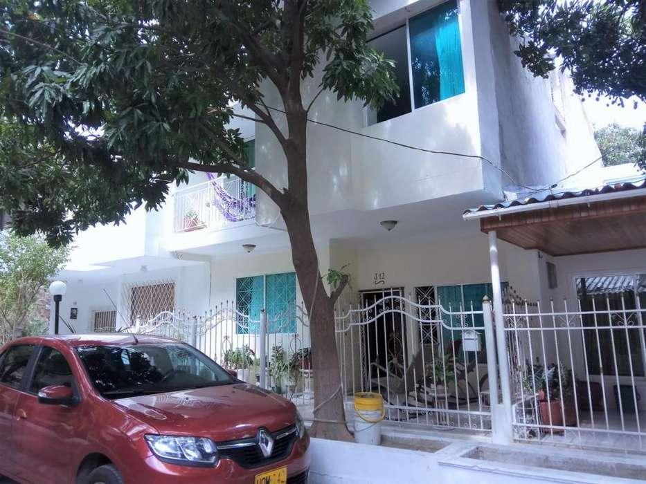 Vendo casa de dos plantas en Villa del Mar cerca al Rodadero