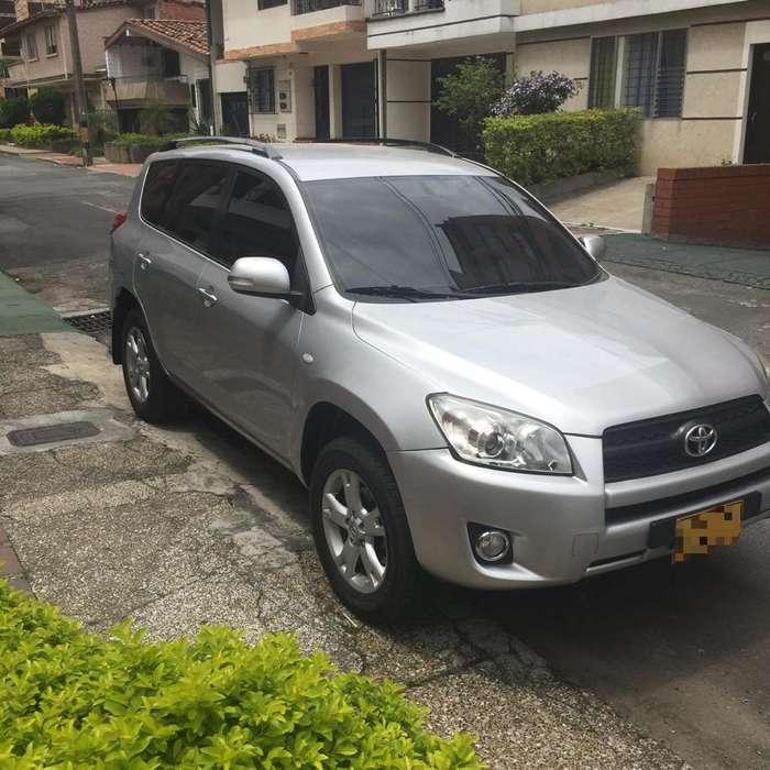 Toyota RAV4 2011 - 47000 km