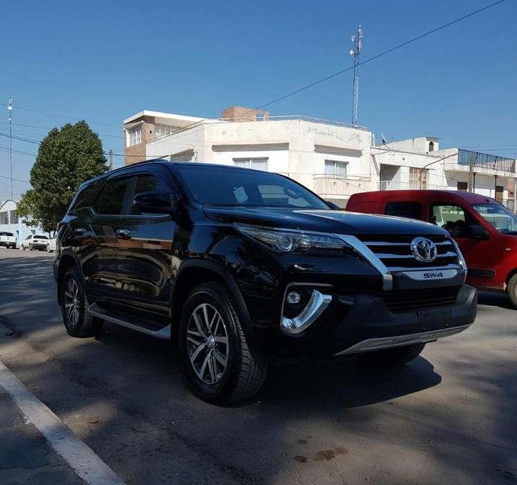 Toyota Hilux SW4 2018 - 0 km