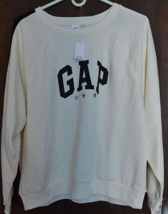SUETER GAP ORIGINAL. NEGOCIABLE