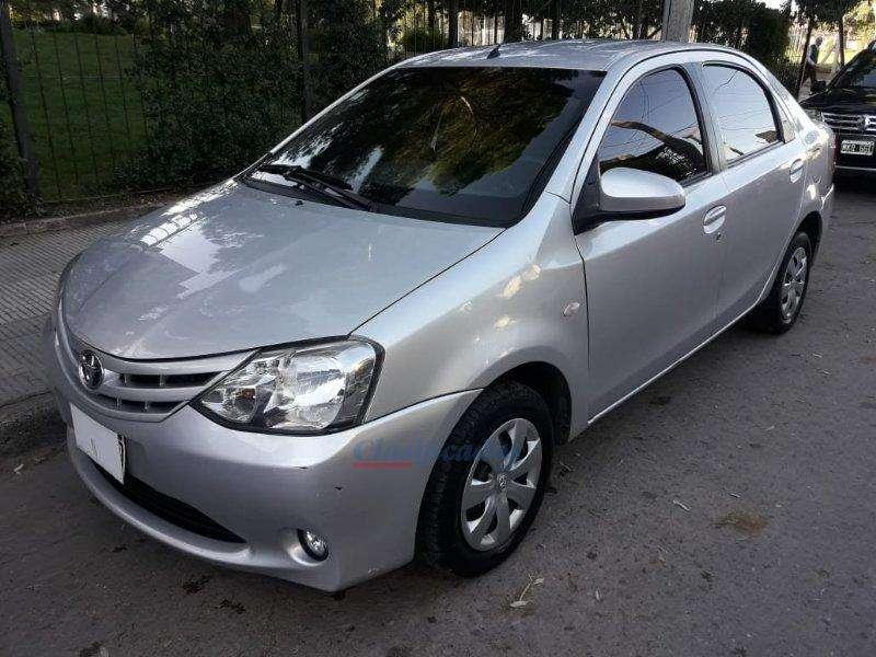 Toyota Etios 2014 - 85000 km
