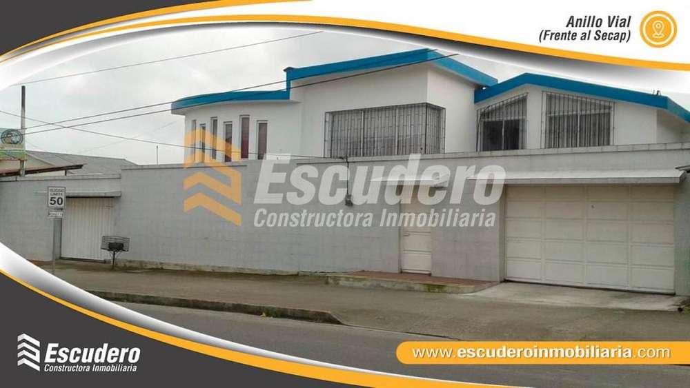 Vendo Amplia Casa en La Lorena