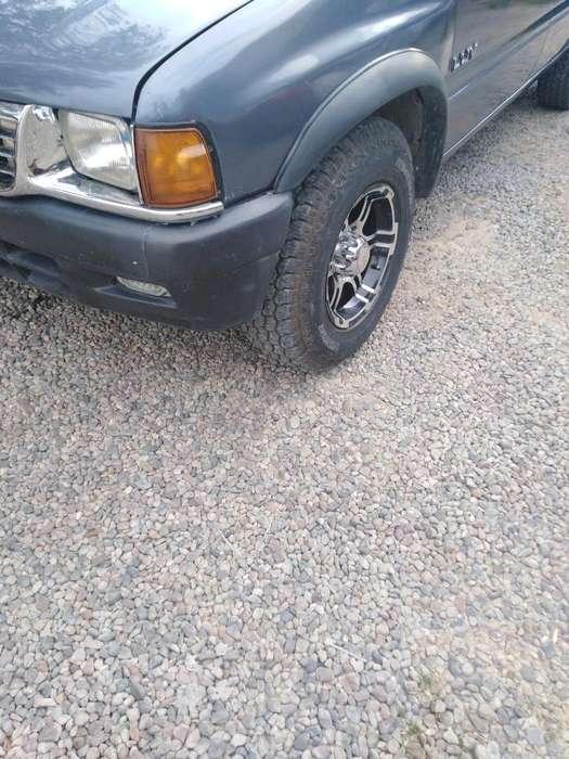 Chevrolet Luv 1996 - 418 km