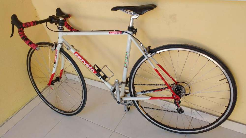 Vendo bicicleta de carrera se negocea