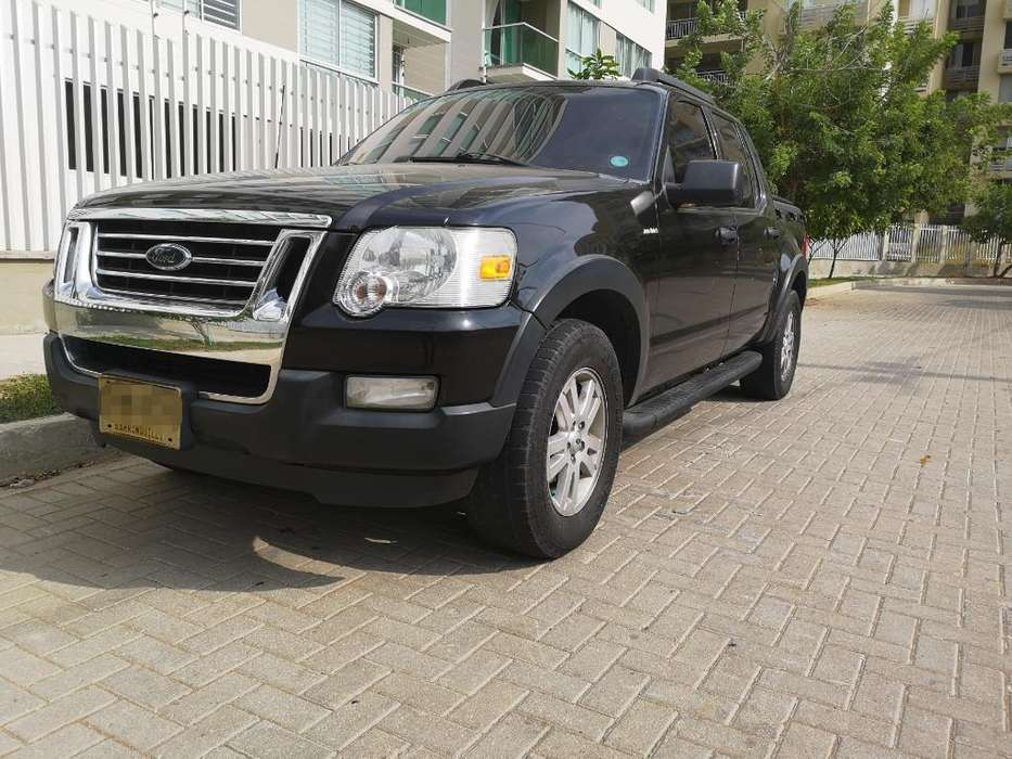 Ford Explorer 2007 - 150000 km
