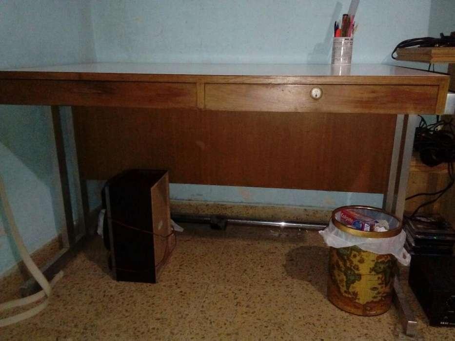 <strong>escritorio</strong> Vendo Permuto Como Nuevo.