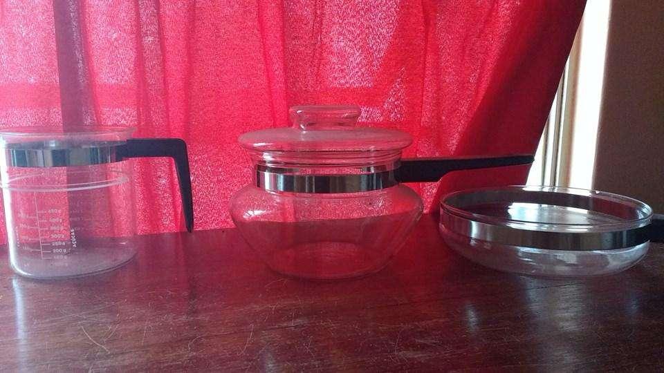 DOS <strong>accesorio</strong>s para cocina en vidrio