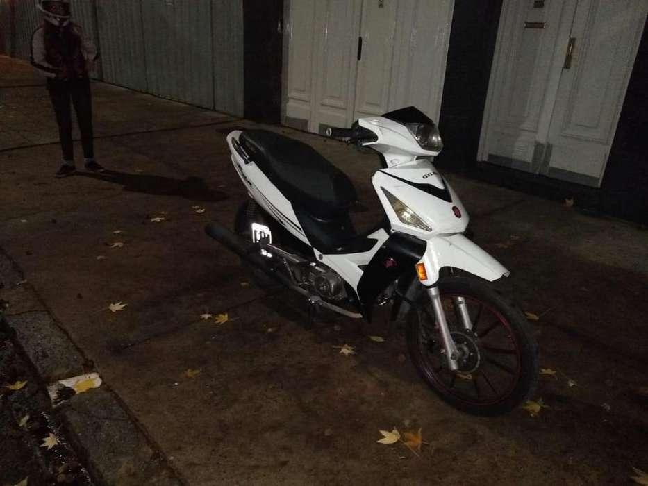 Se vende Smash r 125cc