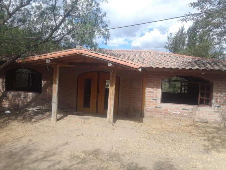 casa de venta de 250 m2 y 1000 m2 de terreno sector de calderon.
