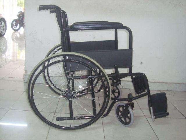 Silla de ruedas manual plegable