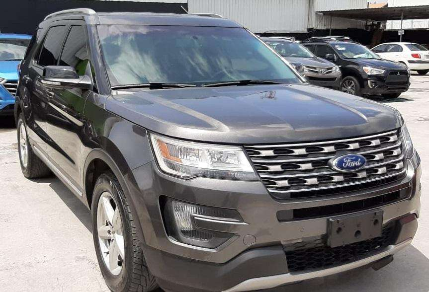 Ford Explorer 2016 - 70000 km