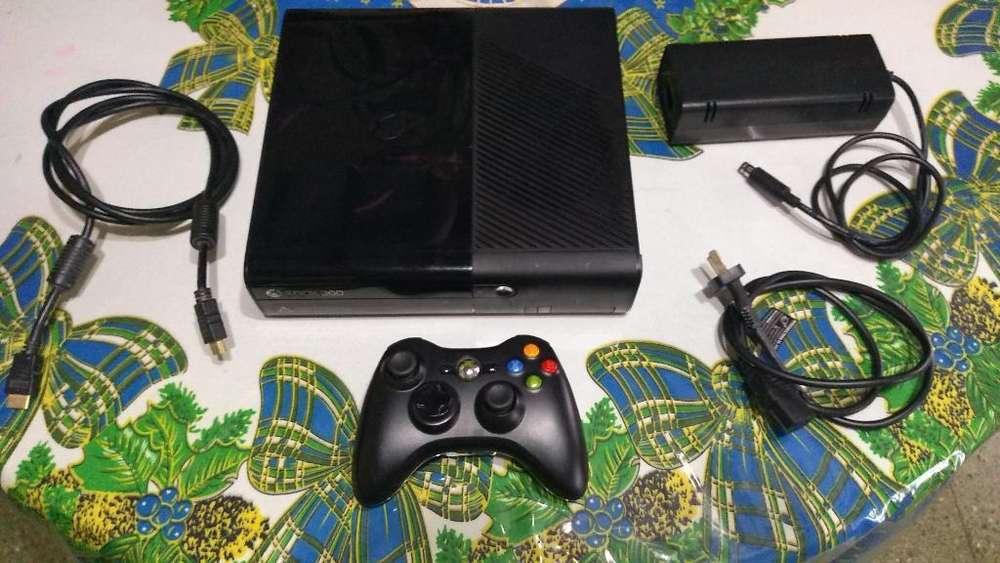 Xbox360 Stingray 4gb sin Caja Y 1 Juego