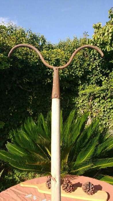 Gancho de Doble punta: antigua herramienta campo