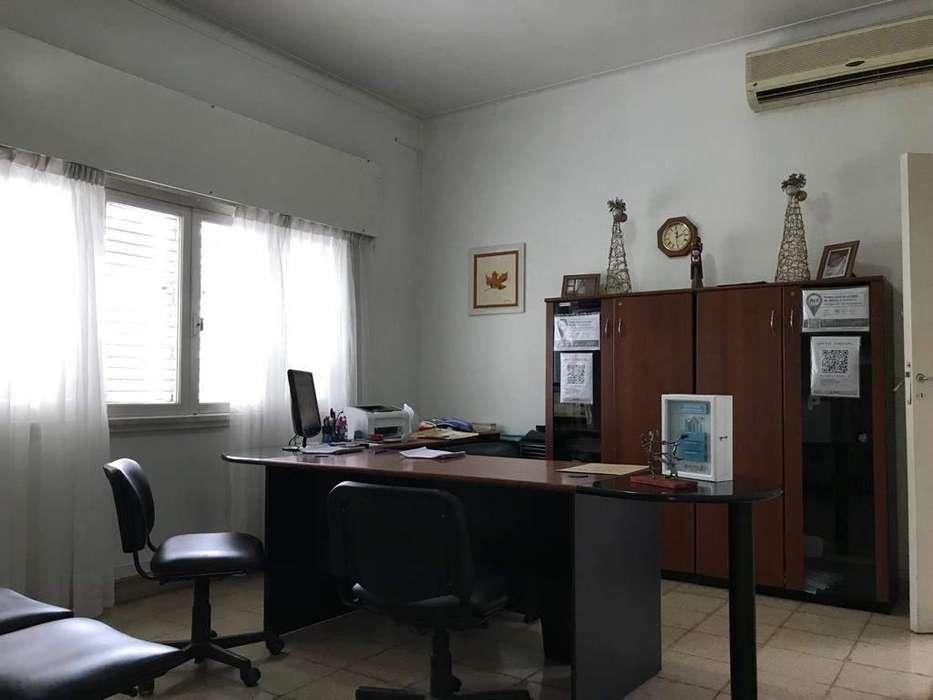 Excelente chalet en paso de los Andes apto para vivienda , oficinas y consultorios
