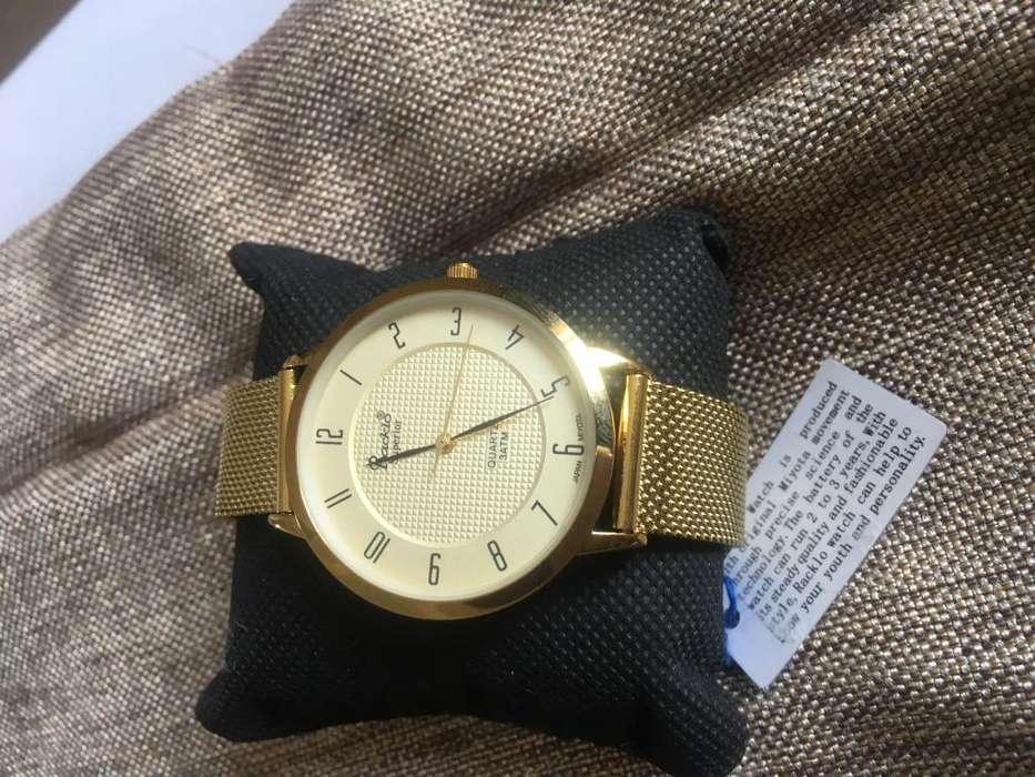 Varios items a la venta relojes racklo lencera carteras originales