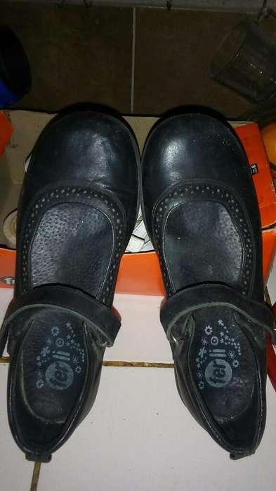 Zapatos 34,en Buen Estado