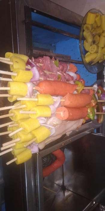 Pinchos de Carne, Chorizo,pollo Camaron