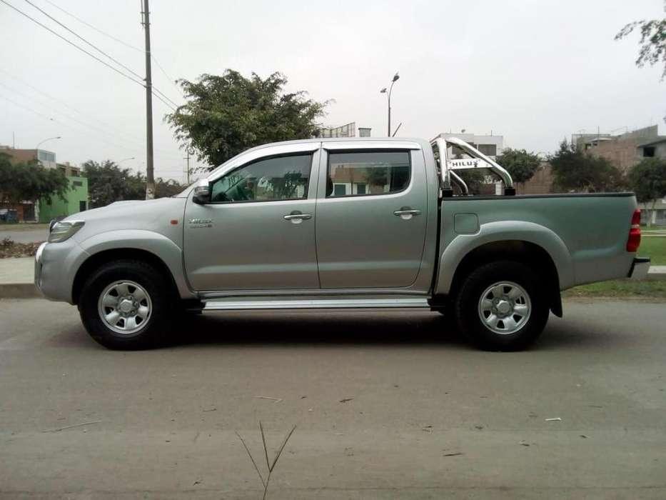 Toyota Hilux 2014 - 67000 km