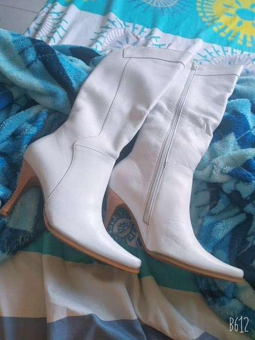 vendo botas blancas talla 37
