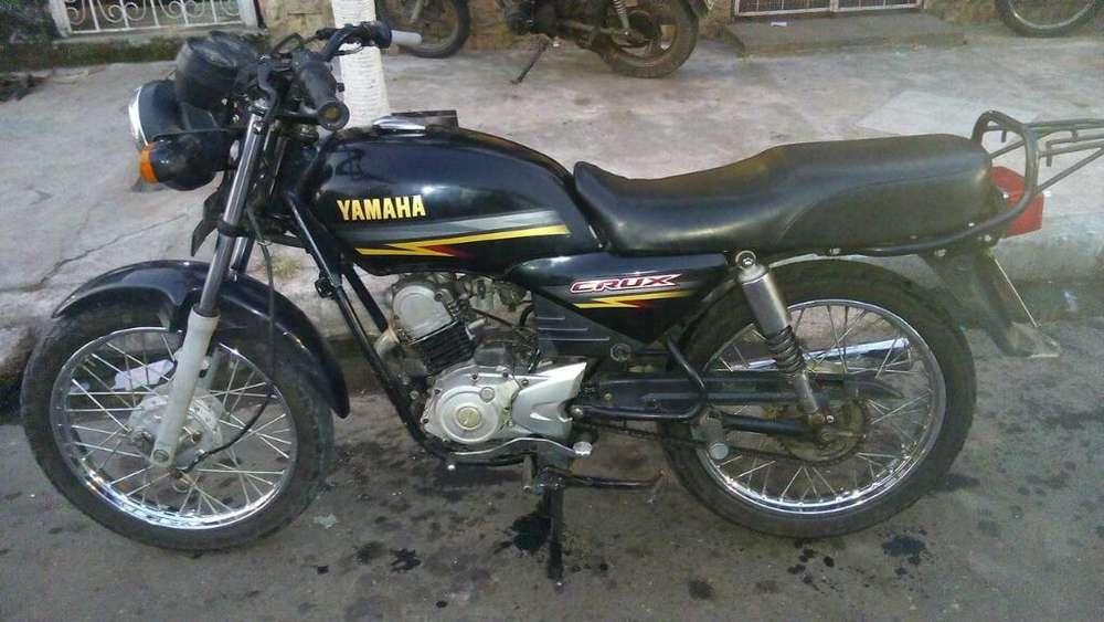 Vendo Moto <strong>yamaha</strong> Crux2015