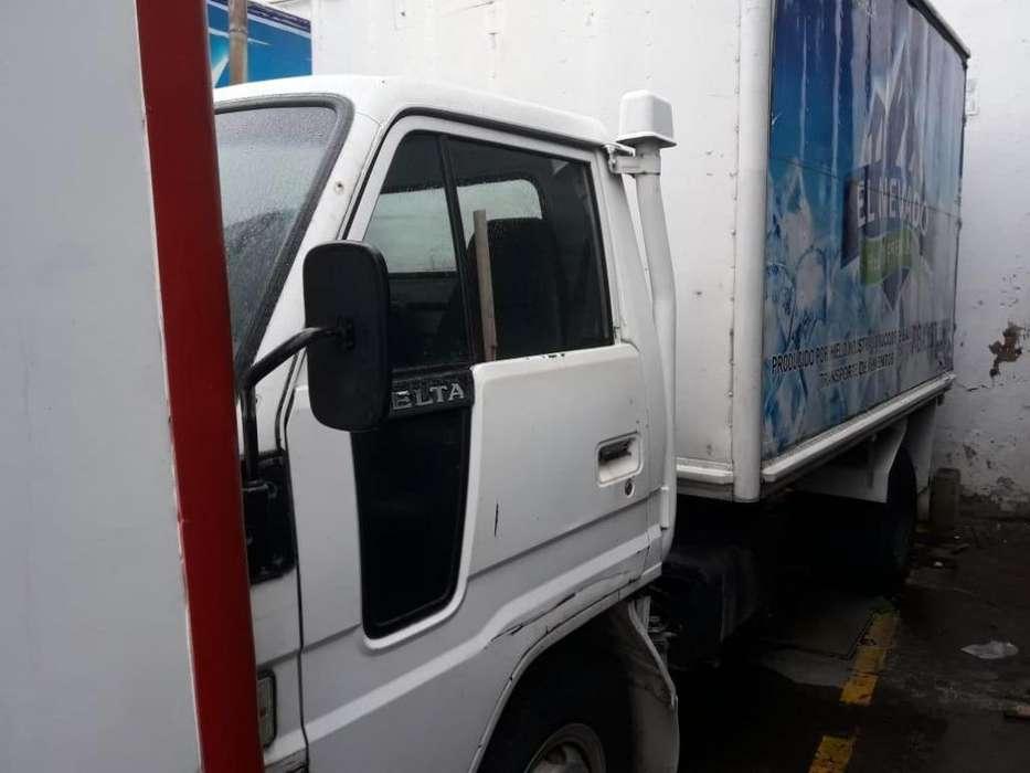 Vendo camión DAIHATSU modelo 1998 todo al día precio negociable