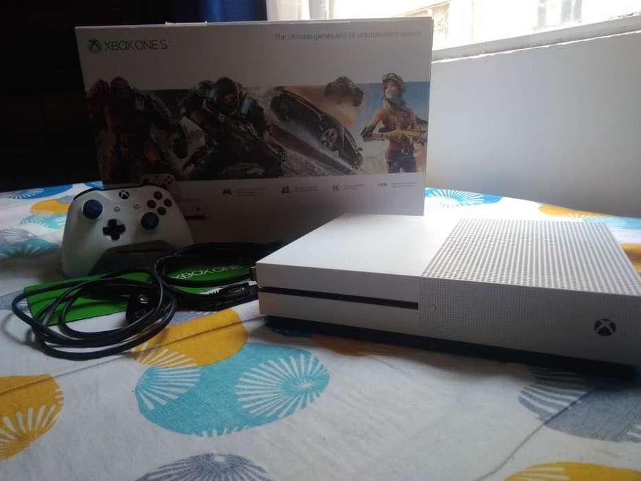Vendo Consola de Xbox One S 1 Terá Co