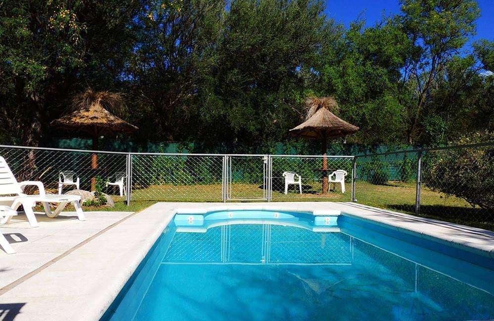 jt10 - Cabaña para 2 a 4 personas con pileta y cochera en Villa De Merlo