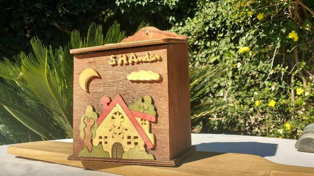 Porta Bolsas de madera para colgar
