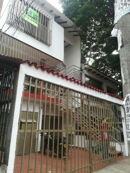 Casa En Arriendo En Cali Urbanización Nueva Granada Cod. ABBNC-88631