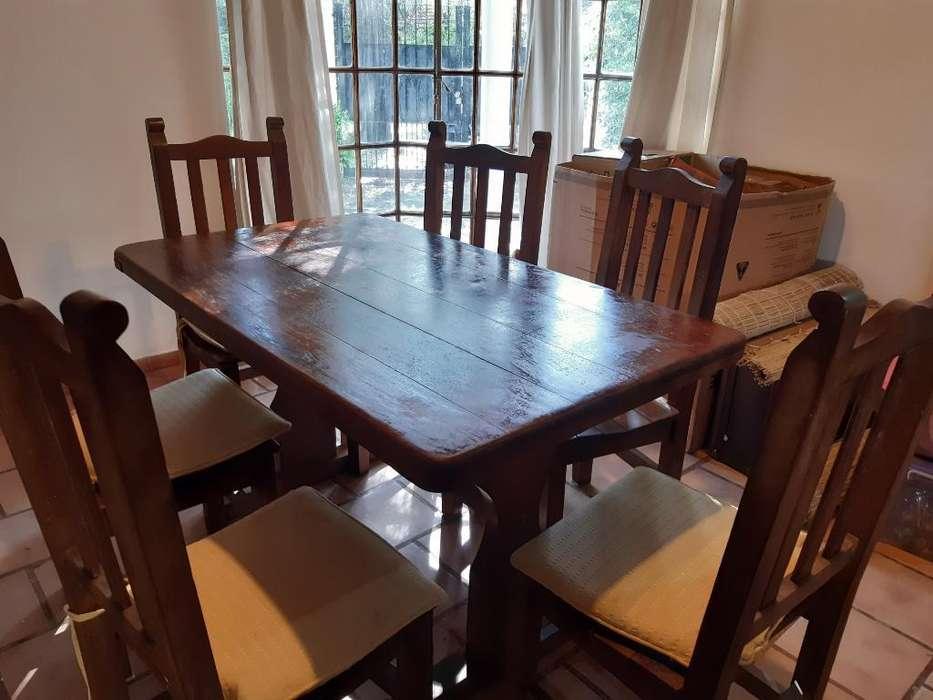Vendo Mesa de Algarrobo con 6 <strong>sillas</strong>