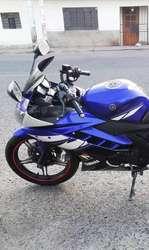 Vendo Yamaha R15