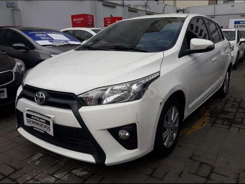 Toyota Yaris 2015 - 65220 km