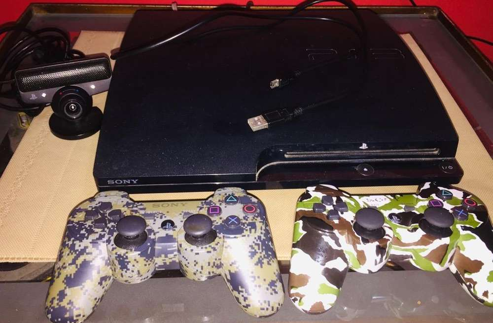 Playstation 3 Slim 250GbJuegosCamara