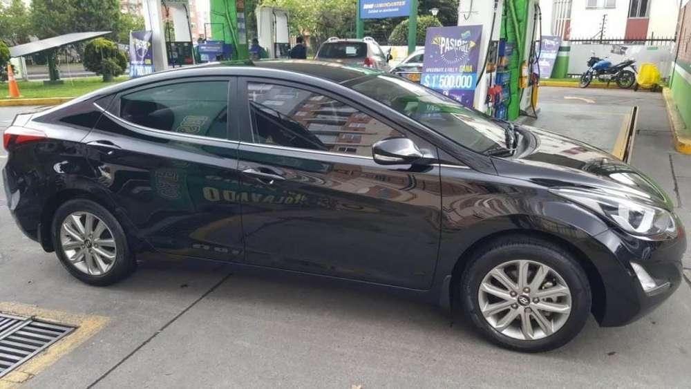 Hyundai Elantra 2015 - 850000 km