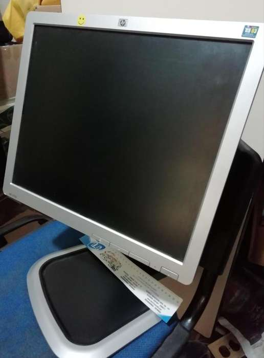 Monitor hp L1750. 3042881696 envio gratis