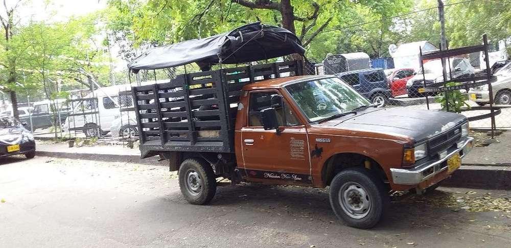 Nissan King Cab 1992 - 7777 km