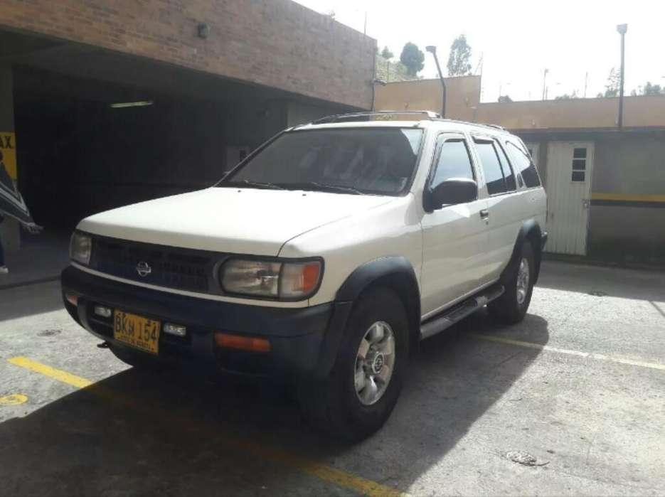 Nissan Pathfinder 1998 - 6000 km