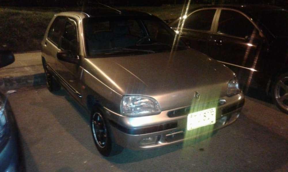 Renault Clio  1997 - 177000 km