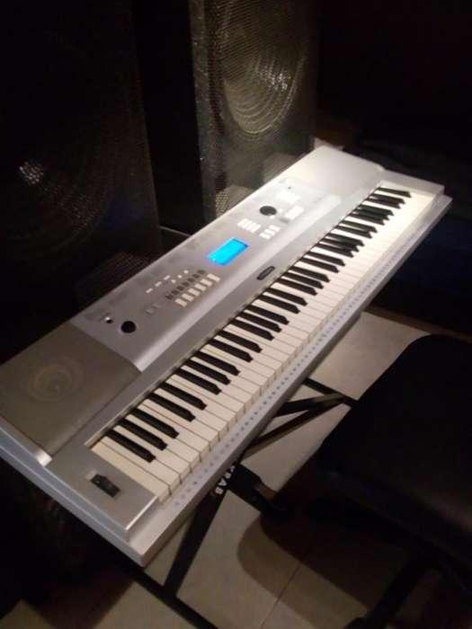 Teclado Yamaha 220 Dgx