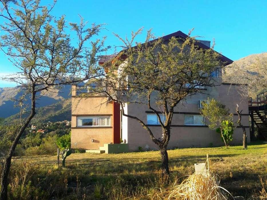 ds26 - Complejo para 2 a 5 personas con pileta y cochera en Villa De Merlo