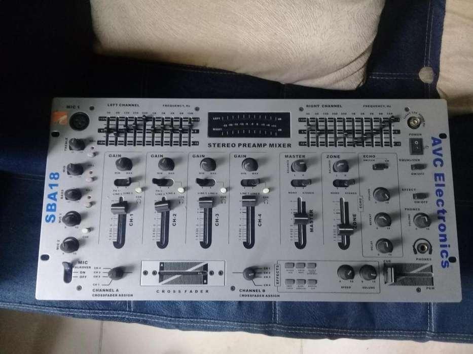 Bajo Mixer Microfono