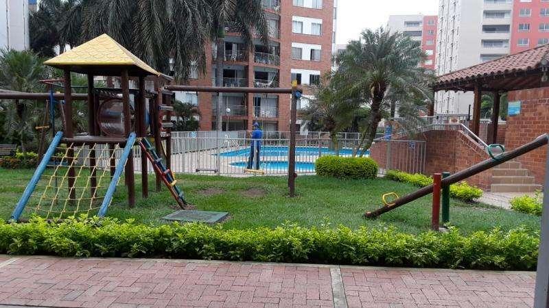 Apartamento En Venta En Cali Urbanización La Flora Cod. VBUNI9775