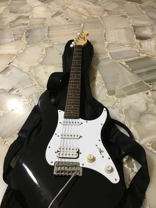Guitarra Eléctrica Yamaha Amplificador