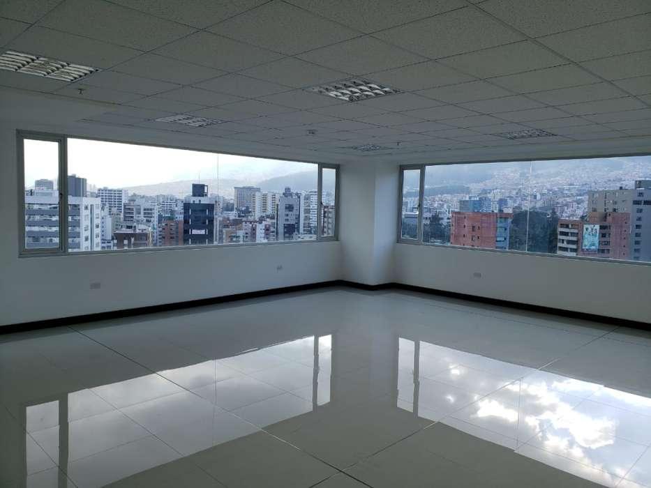 Oficina en renta sector La Carolina/ 6 de Diciembre/ República del Salvador/ Plaza Argentina/ El Batán/ Quito